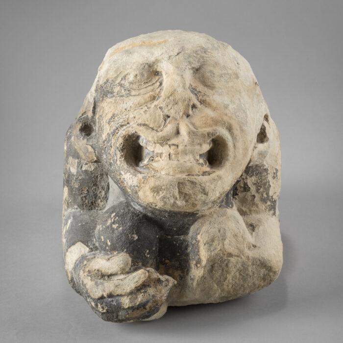 Monstre accroupi, 1250-1300 © Musée de la Ville de Bruxelles