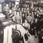 Y. Germis, Photo de groupe du personnel d'enroulage de l'usine UPL, vers 1972 © UPL